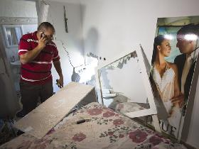 Zerstörungen in einem Haus in Sderot (Foto: Reuters/MFA)