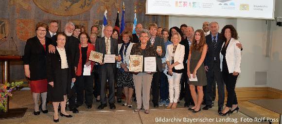 Gruppenfoto (Bildarchiv Bayerischer Landtag, Foto Rolf Poss)